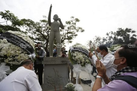 Union leaders and garment workers commemorate the 17th anniversary of the assassination of union leader Chea Vichea in Phnom Penh on Friday. Panha Chhorpoan