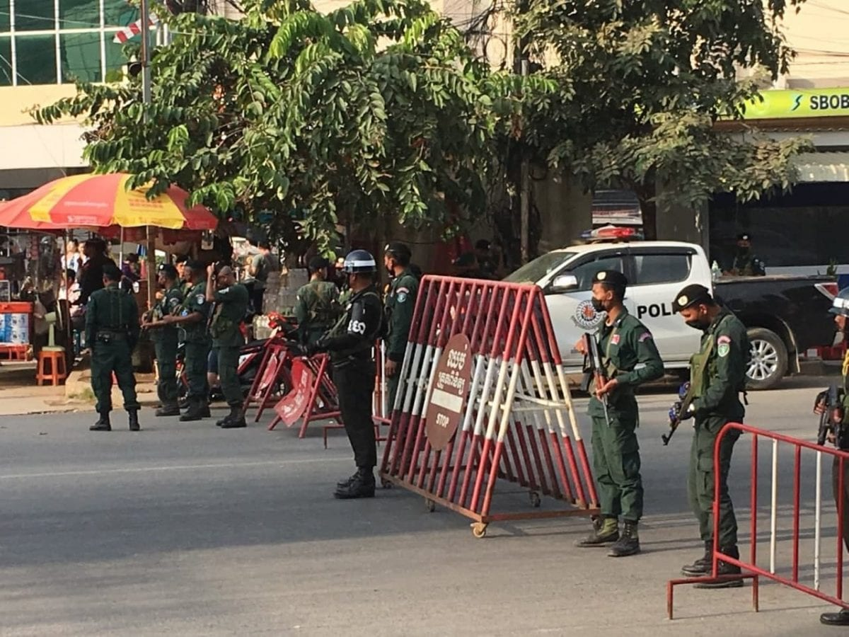 Cambodian security forces block access to the Thai border checkpoint in Poipet, Banteay Meanchey, the day Sam Rainsy was expected to return. Supplied