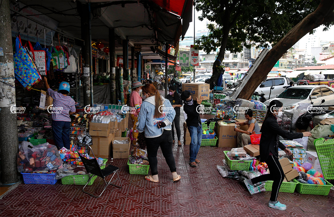 Vendors reopen their shop after the government lifts the lockdown in some places in Phnom Penh and Takmao, May 6, 2021. CamboJA/ Panha Chhorpoan