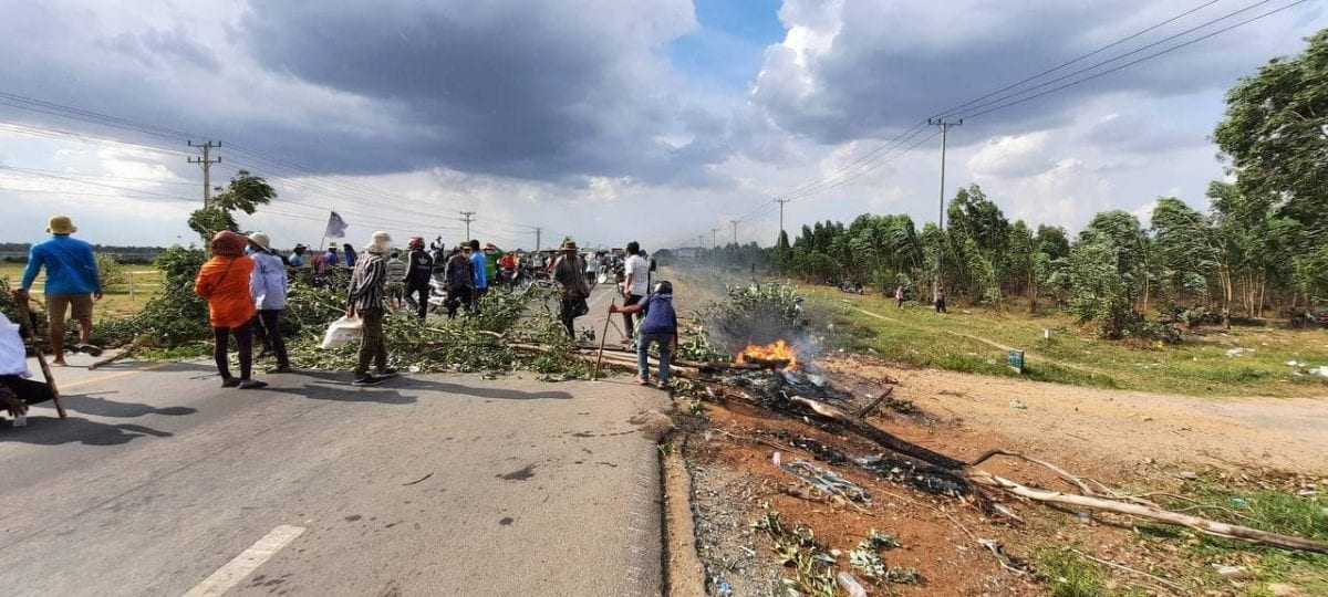 Villagers blocked road after soldiers shot and injured a man in a land dispute in Kandal province, June 3, 2021. Licadho