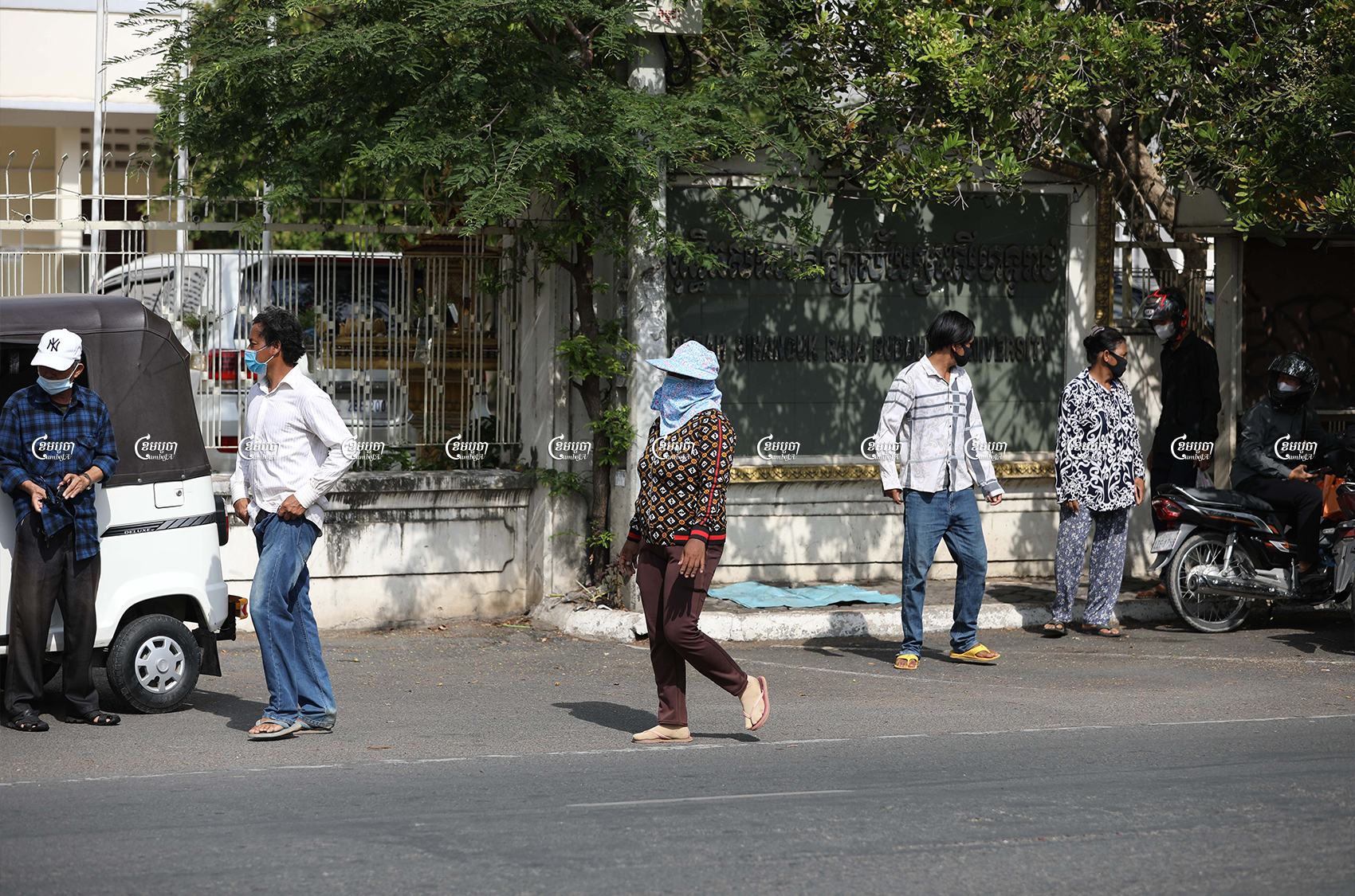 Kandal province villagers leave the Ministry of Justice after protesting over arrests in their land dispute, July 5, 2021.CamboJA/ Pring Samrang