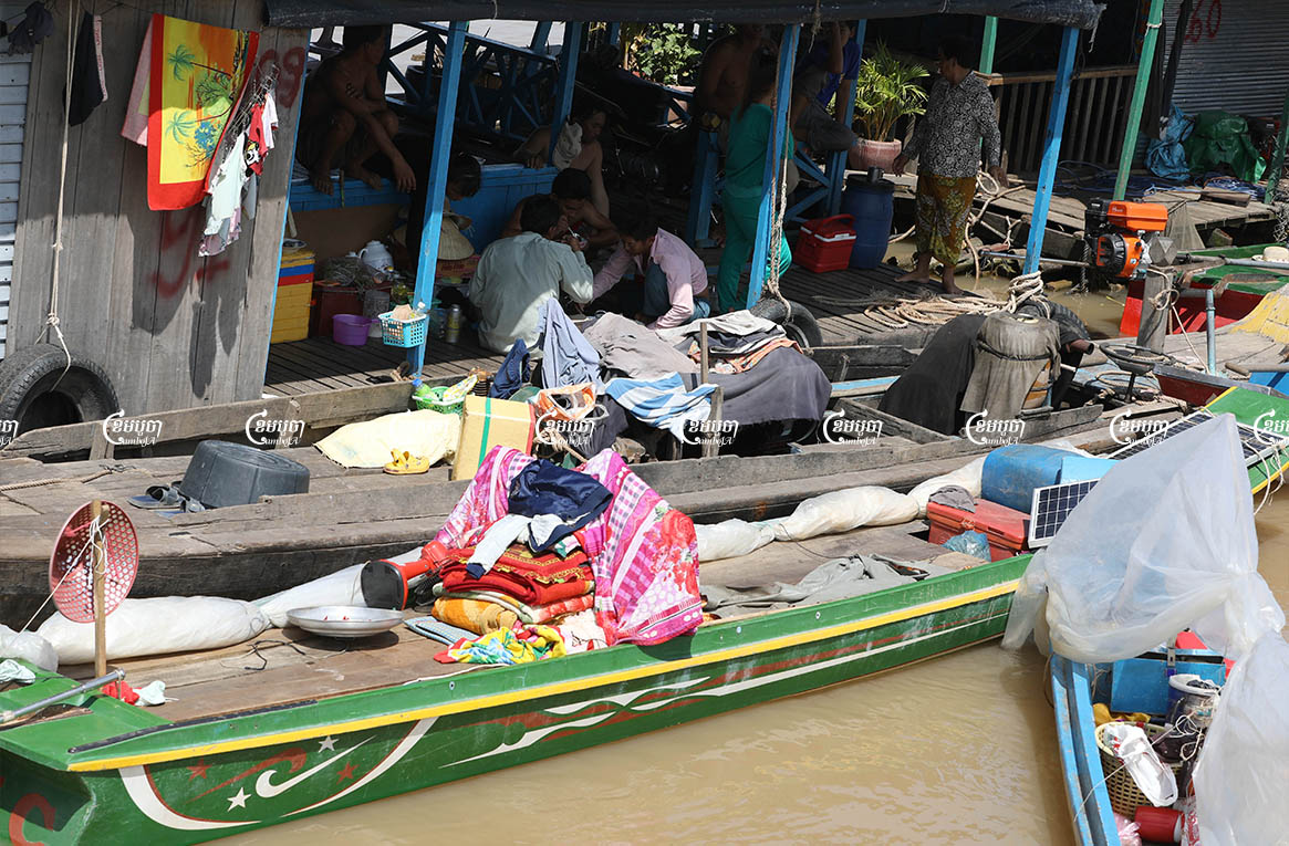 The floating homes of mostly ethnic Vietnamese residents evicted from Phnom Penh were blocked in the Mekong at Kandal province's Leouk Dek district on the Cambodia-Vietnam border, Picture taken on June 28, 2021. CamboJA/ Pring Samrang