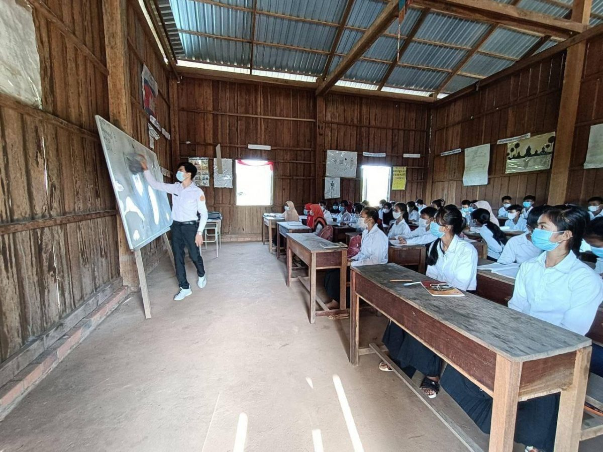 Kranhoung Senchey secondary school in Kratie province marked its reopening on September 6. Nor Sokneang